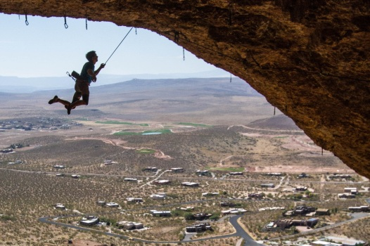 Todd taking the king swing off Flight of the Concord (14c/9a).